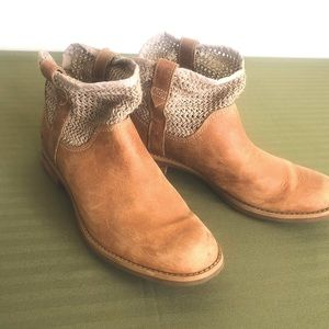 Timberland Canvas Booties - size 8.5